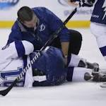 Lightning's Stamkos breaks leg, could miss rest of season