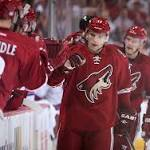 Canucks pry Vrbata from Coyotes with 2-year, $10 million deal