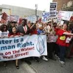 Eau Canada: Caravan totes water to Detroit