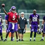 Minnesota Vikings Xavier Rhodes getting schooling during summer camp