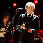 Bob Dylan gives 30 minute acceptance speech at MusiCares Person Of The ...