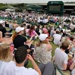Djokovic, Murray roll in Wimbledon openers