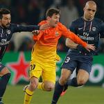 Barcelona's Messi leaves with injury in draw vs. PSG
