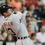 Kinsler rallies Tigers