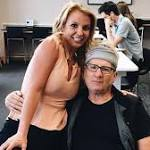 Ed O'Neill Admits He Had No Idea Who Britney Spears Was When She Asked to Take a Picture With Him at the Airport