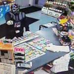 Police: Darth Vader impersonator robs store