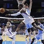 Nowitzki scores 32 as Mavs beat Thunder 128-119