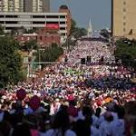 Thousands pack downtown for Komen breast cancer race