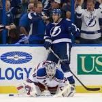 Lightning ends Rangers' streak