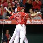 Angels take one in extras vs. Mets