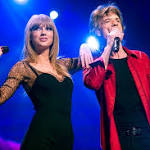 Taylor Swift Joins Rolling Stones On Stage for 'As Tears Go By'