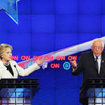 Obama Has Reason to Be Split Between Sanders and Clinton