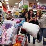 Thanksgiving Crowds 'Good Not Great'; Online Sales Strong