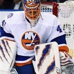 Islanders use big third period to beat Rangers