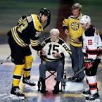 Bruins' legends Schmidt, Orr take part in ceremonial puck drop