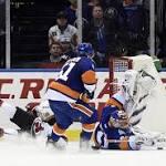 Jaroslav Halak helps Islanders top Devils, 3-1