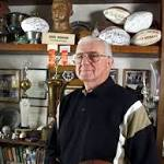 Eagles Hall of Famer Chuck Bednarik dies