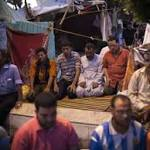 Egyptian authorities plan clampdown on protest camps