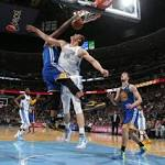 Warriors' backups send team to playoffs with a win