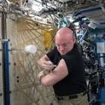 Astronaut Scott Kelly Says Mars Travel Is 'Doable'