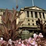 Pound Advances Third Day Versus Euro Before BOE Inflation Report