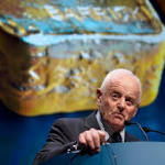 Peter Munk's extraordinary career of booms and busts