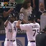 Abreu wins Sporting News' AL Rookie of the Year honors