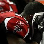 Falcons' William Moore arrested, charged with battery