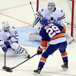 Second-period barrage paces Leafs win over Islanders