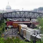 Train derails, leaks chemical