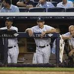 Brian Roberts ties game in ninth, but Yankees still fall in extras to Rays for third ...