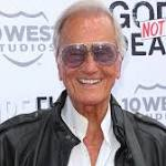 Pat Boone Accuses 'SNL' of Anti-Christian Bias After 'God's Not Dead 2' Parody