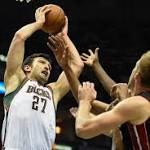 Middleton Buzzer-Beater Sends Bucks to 89-88 Win Over Heat