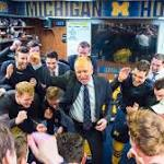 Michigan's Red Berenson earns 800th victory in sweep of No. 9 Minnesota