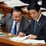 Abe Doomsday Risk Prompts Moody's Warning on JGBs: Japan Credit
