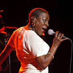 Soul singer Sharon Jones, whose work with the Dap Kings sparked a renaissance, has died