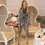 Sarah Jessica Parker Brings Her Shoes to Sin City