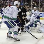 Anaheim 3 Vancouver 1: Canucks can't capitalize when it counts