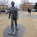 U. of Mississippi seeks to question three students about noose on statue