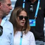 Australian Open: Kim Sears shows off her tanned legs in Ted Baker shorts as ...