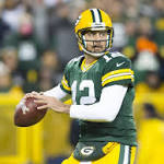 Rodgers throws 6 TDs, Packers steamroll Bears