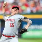 Mat Latos undergoes knee surgery