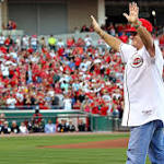 Banned from MLB's Hall, Pete Rose to get into Reds' Hall of Fame
