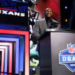 Texans add playmakers as they shift draft focus to offense (Apr 30, 2016)