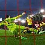 Saints put Arsenal in their place after Szczesny slips up