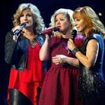 Kelly Clarkson's Miracle on Broadway Concert Raises $400000