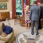 Secret Service agent's son faceplants on Oval Office couch