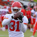 Chiefs send CB Marcus Cooper to Cardinals for draft pick