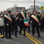 Bill de Blasio hears cheers, jeers at Rockaways parade