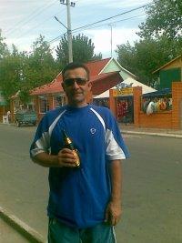 Анатолий Столяр